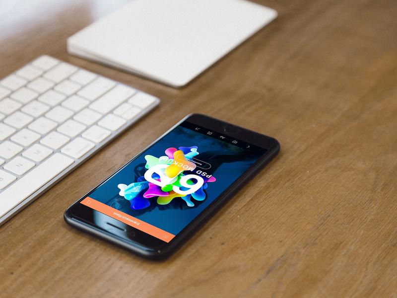 Free iPhone 7 Realistic PSD Mockups